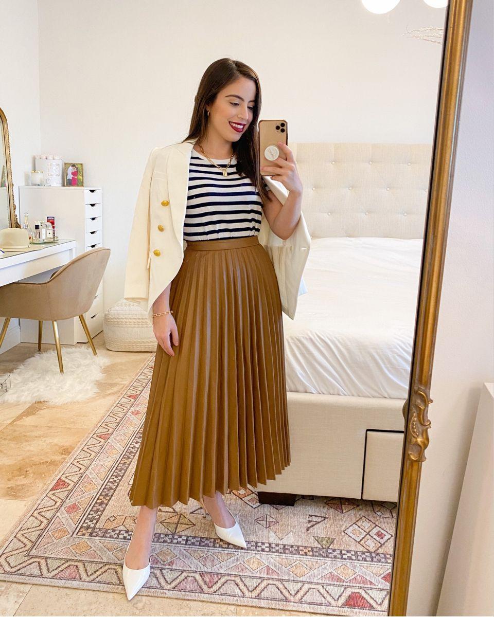 Midi pleated skirt striped tee