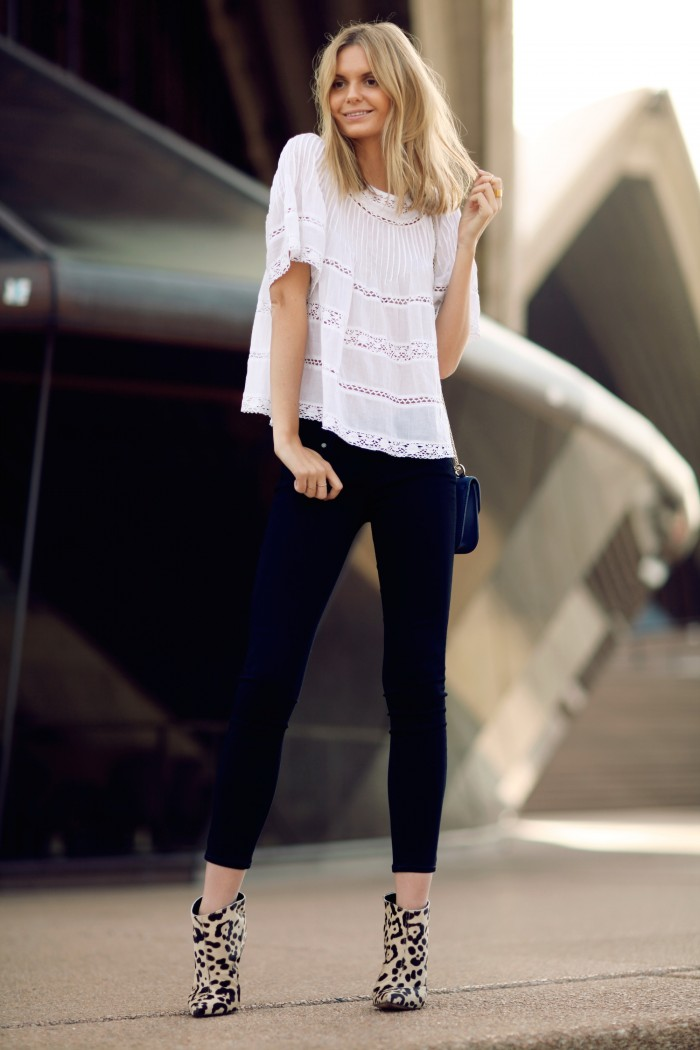 white peasant top and black skinny jeans