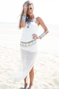 white maxi outfits with jewelry image