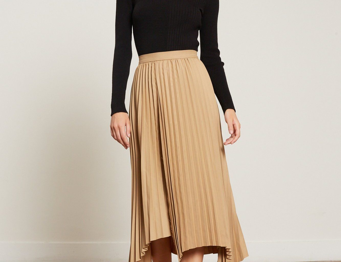 How Can You Choose the Right Size of Skirt?