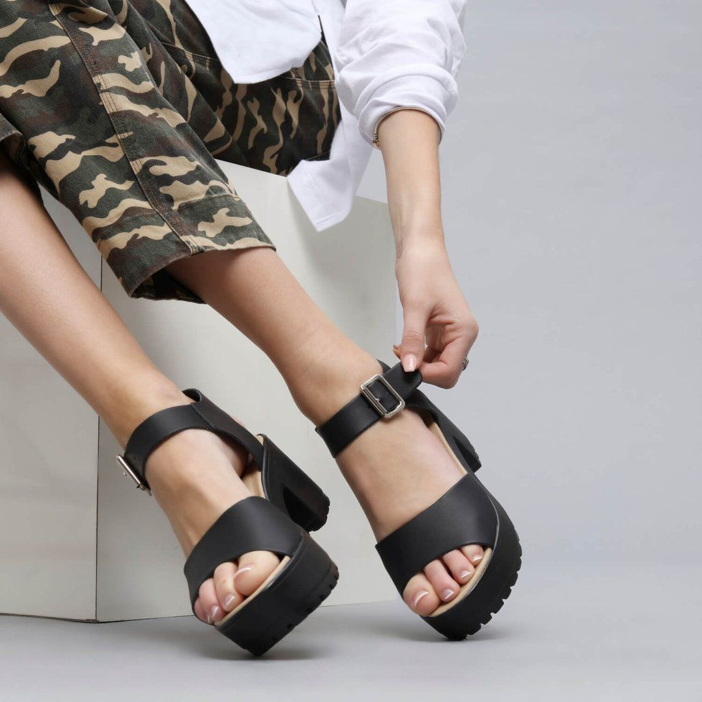 LOR Chunky Sandals