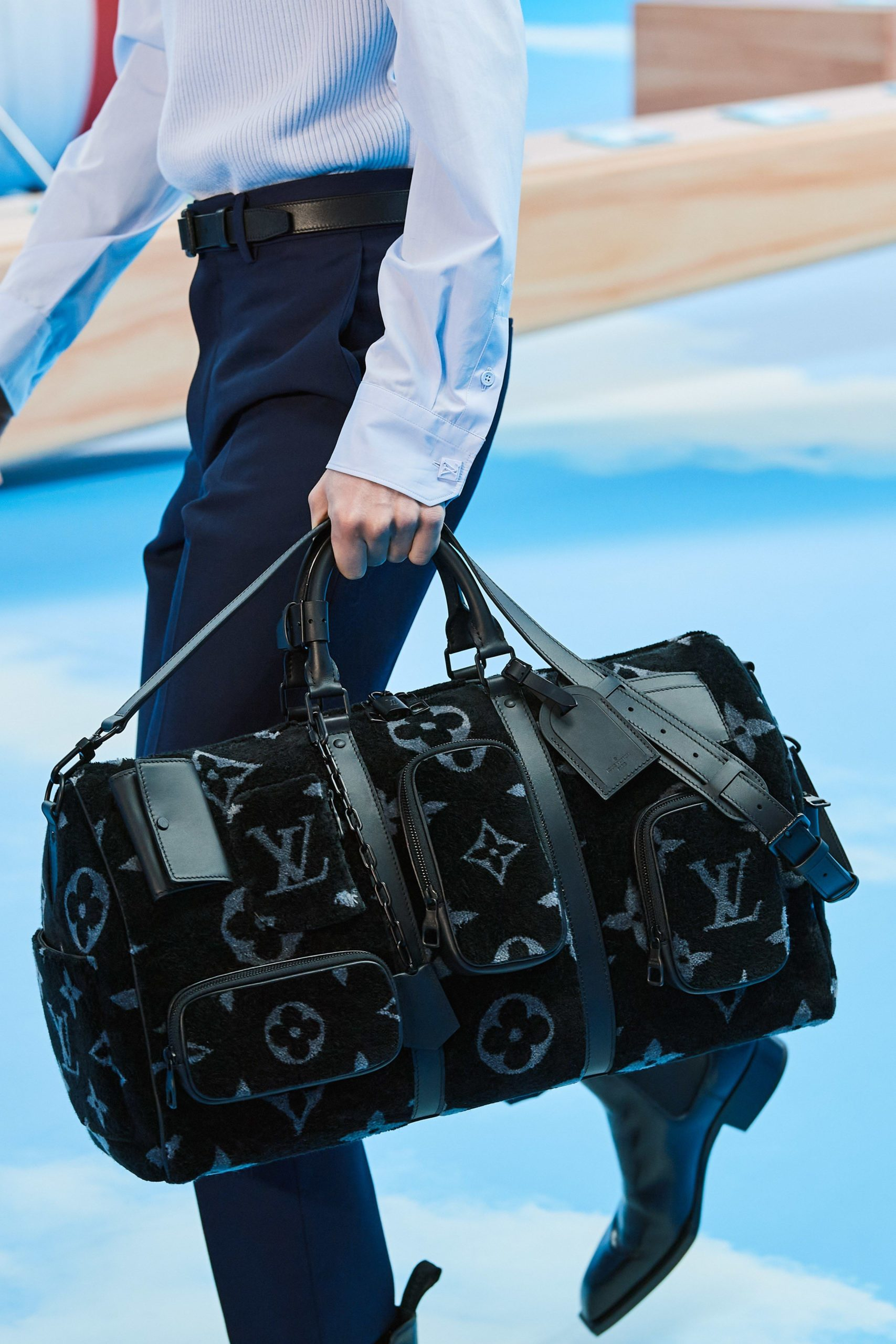 Men's flight bags design
