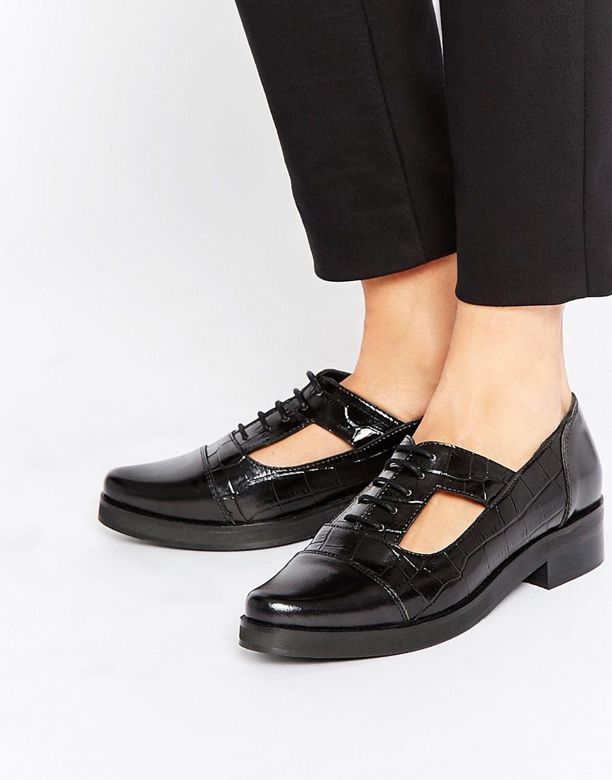Park Lane Cut Out Lace Up Leather Flat Shoes
