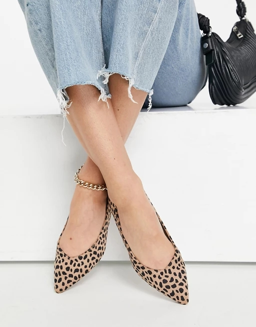 Truffle Collection easy ballet flats with pointed toe in leopard
