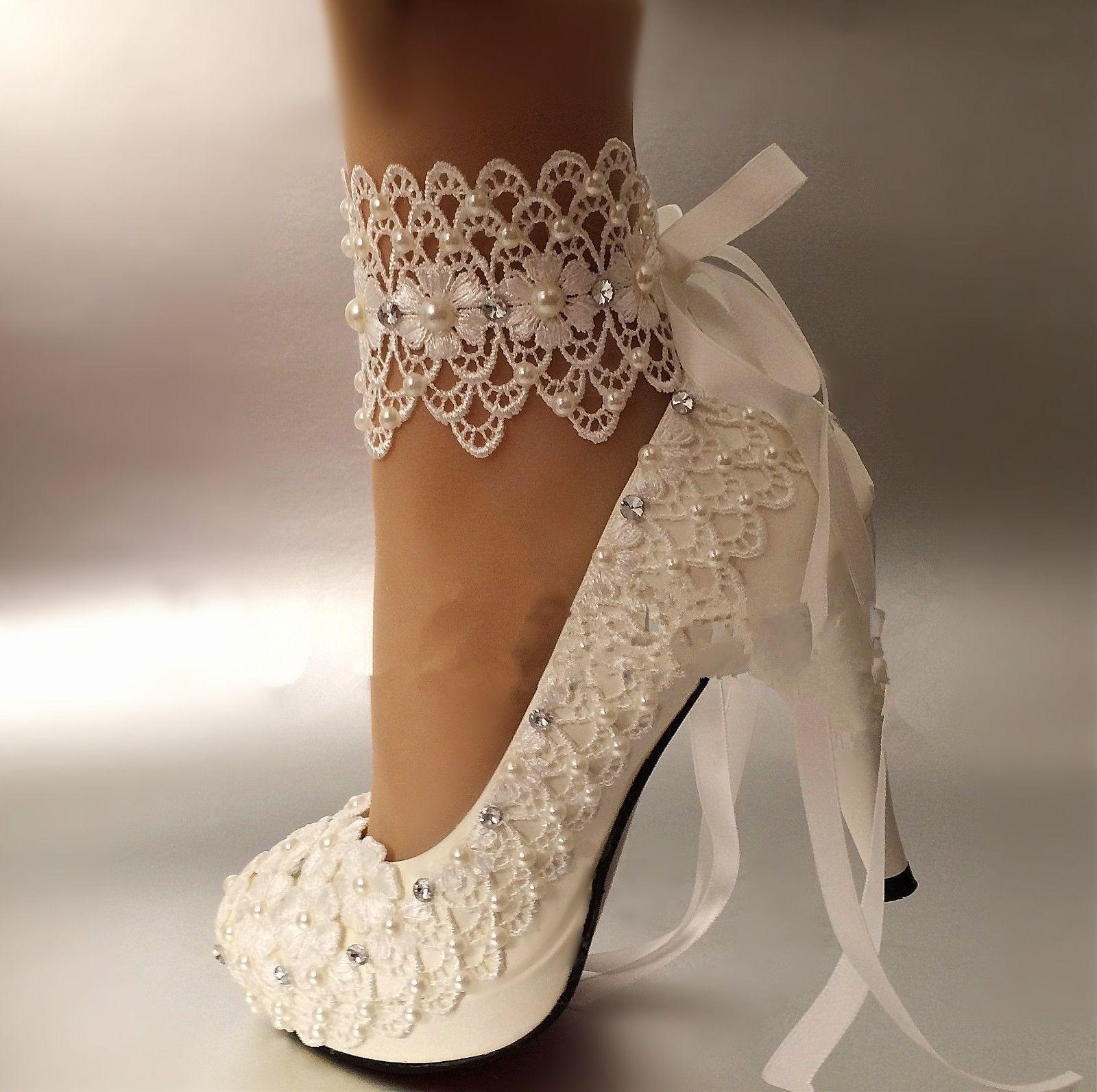 Strap the Lace shoe