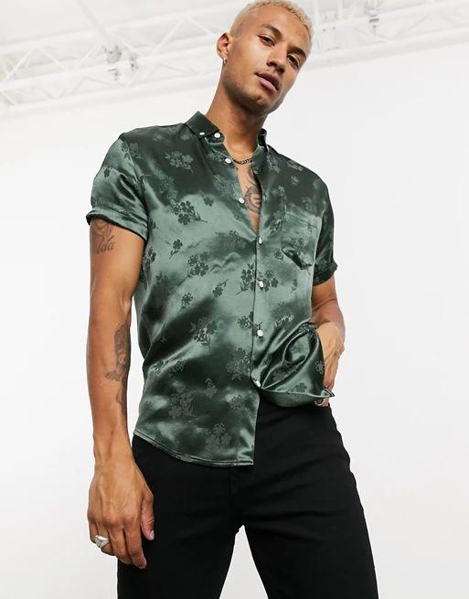 satin muscle shirt in green satin