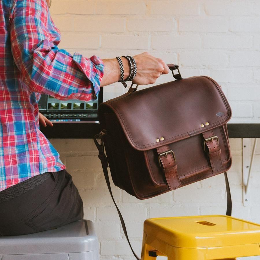Different Styles of Men's Flight Bags