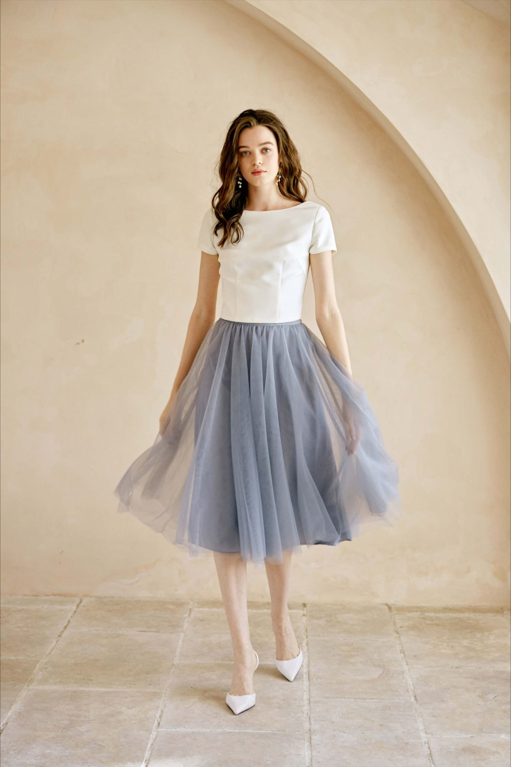 Gray High Waisted Midi Tulle Skirt Outfit
