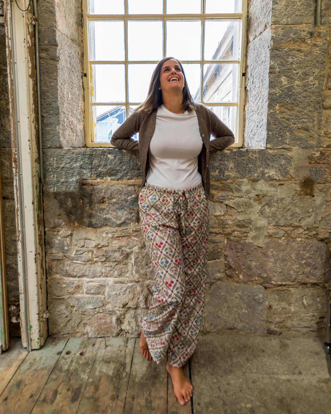 Ladies Pyjama Bottoms in Beige with Floral Pattern, Elasticated Waist Pajama Pants with Drawstring Waist, Relaxed Fit PJ Bottoms for Women