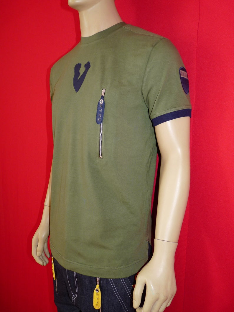 zip fashion pocket on left side on the chest men's t-shirt