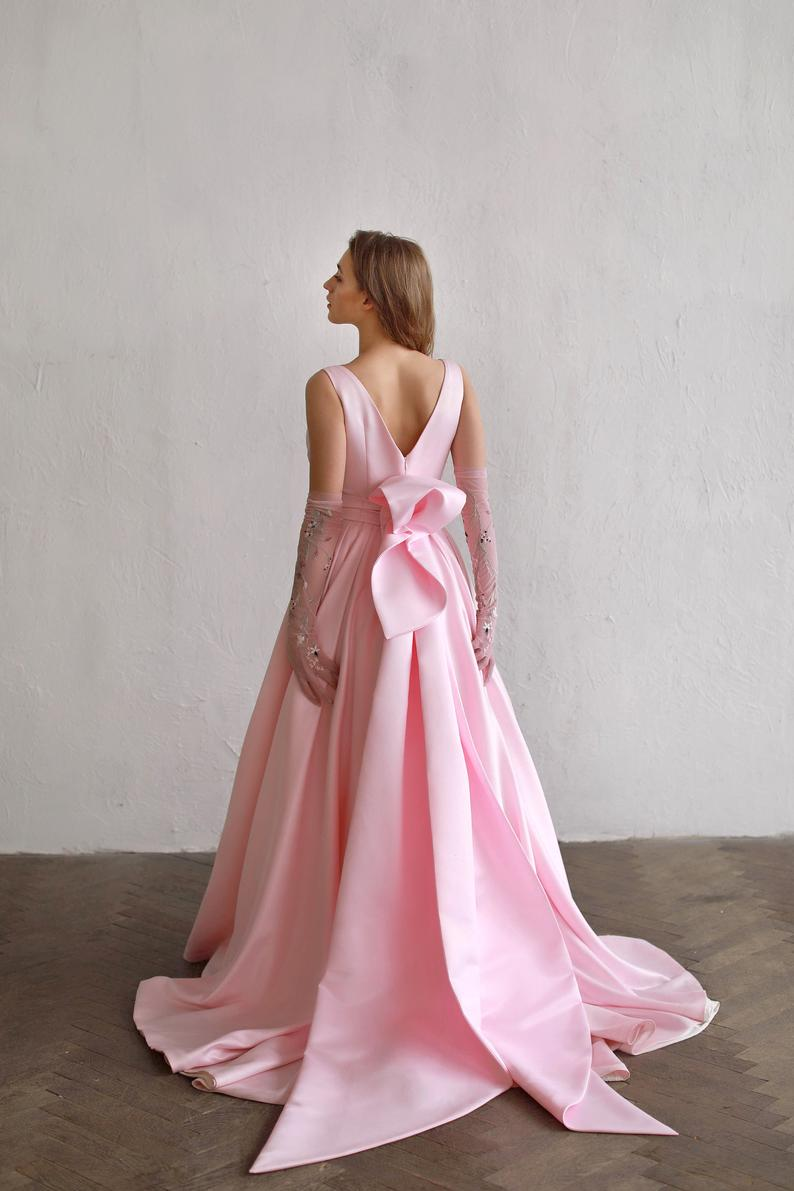 Back bow pink wedding dress with a-line satin skirt