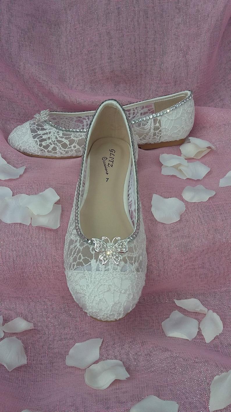 Flat lace wedding shoe