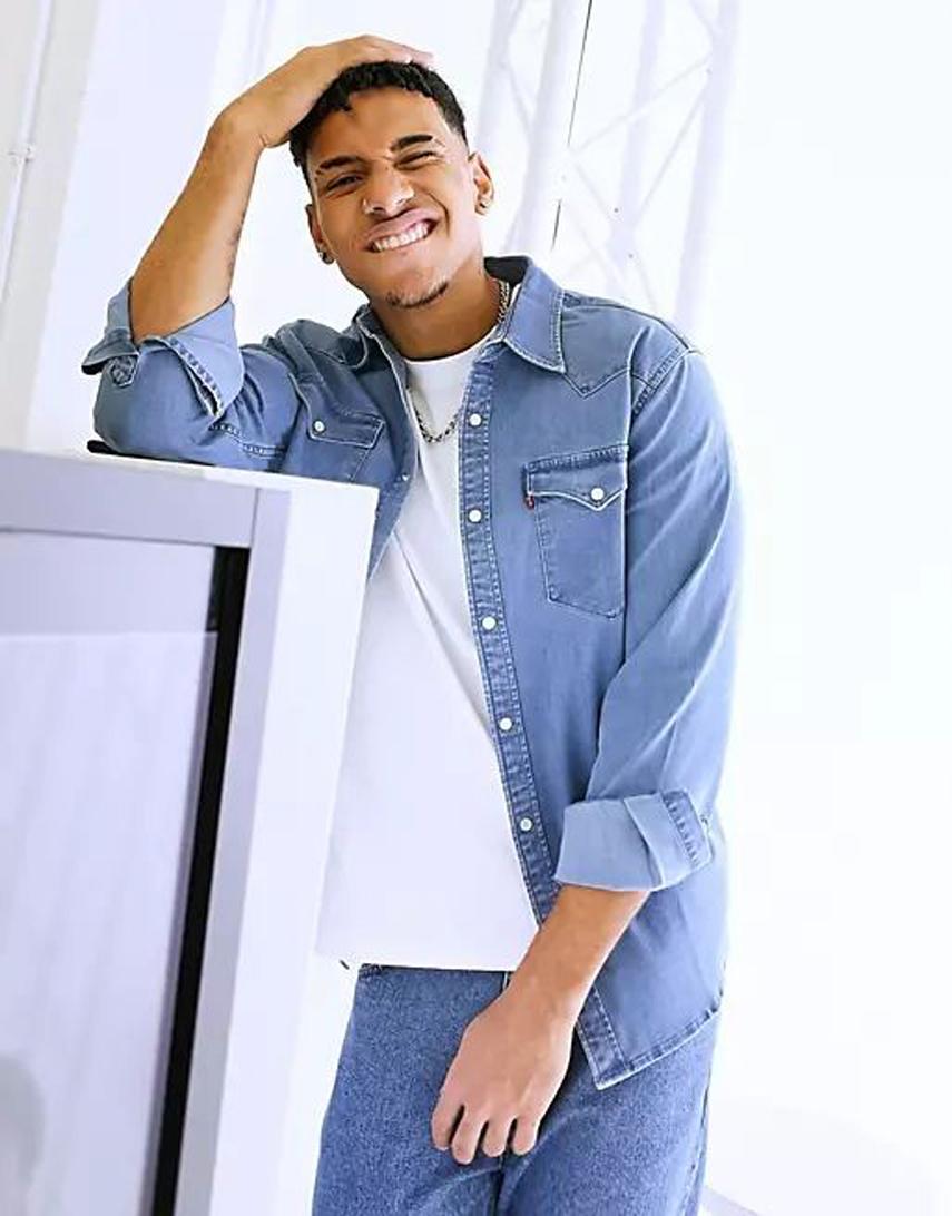 Levi's barstow western standard denim shirt in authentic stretch worn in light wash