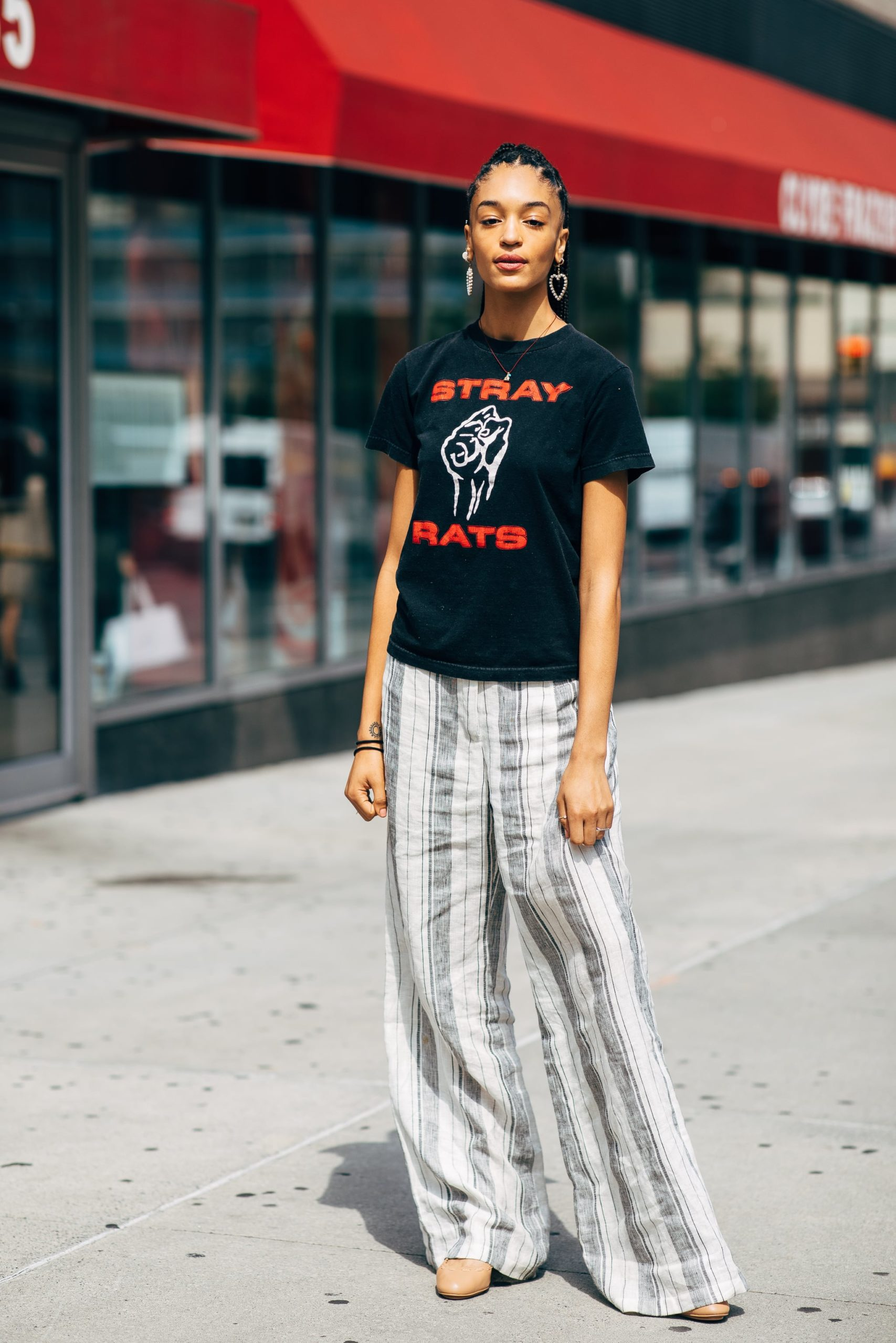 Women Patterned pants with graphic t-shirt